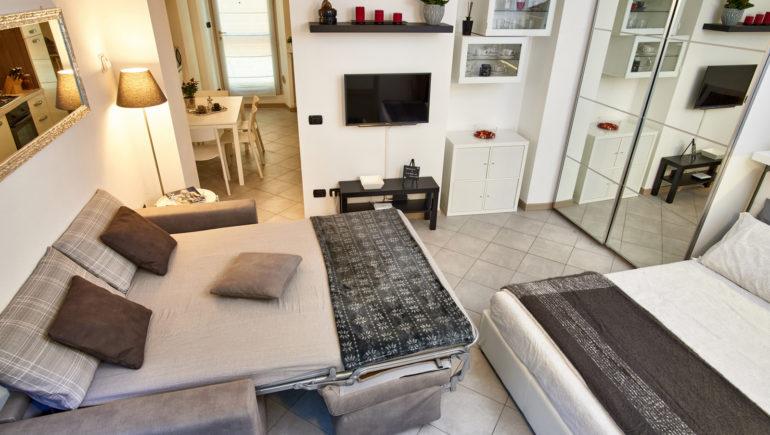 camera da letto e divano letto